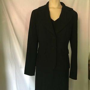 Ann Taylor 2 Piece Suit, Size 2/2P